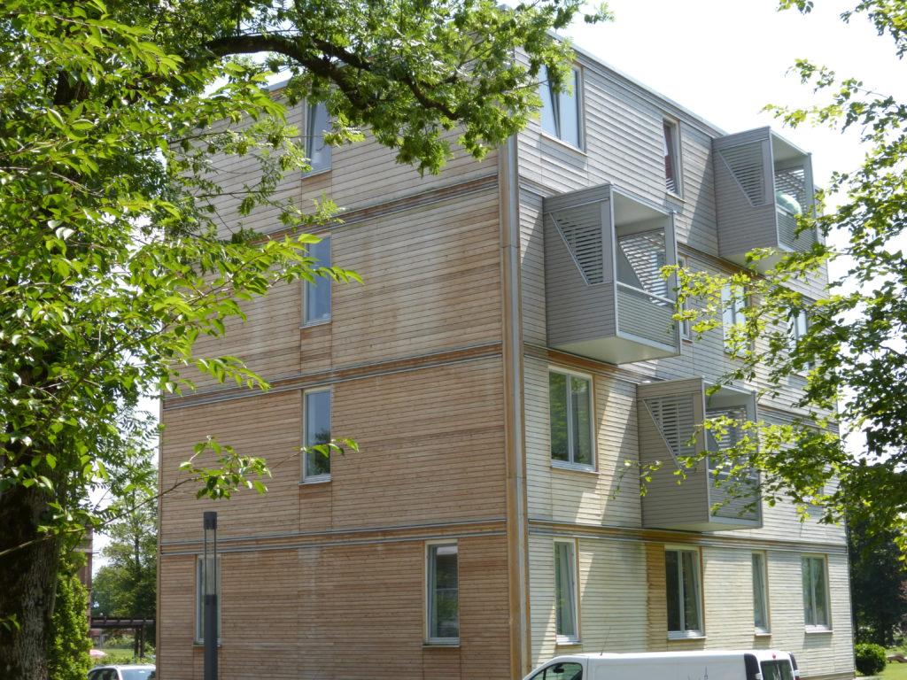 Mehrgeschossiger Wohnungsbau mit Holz
